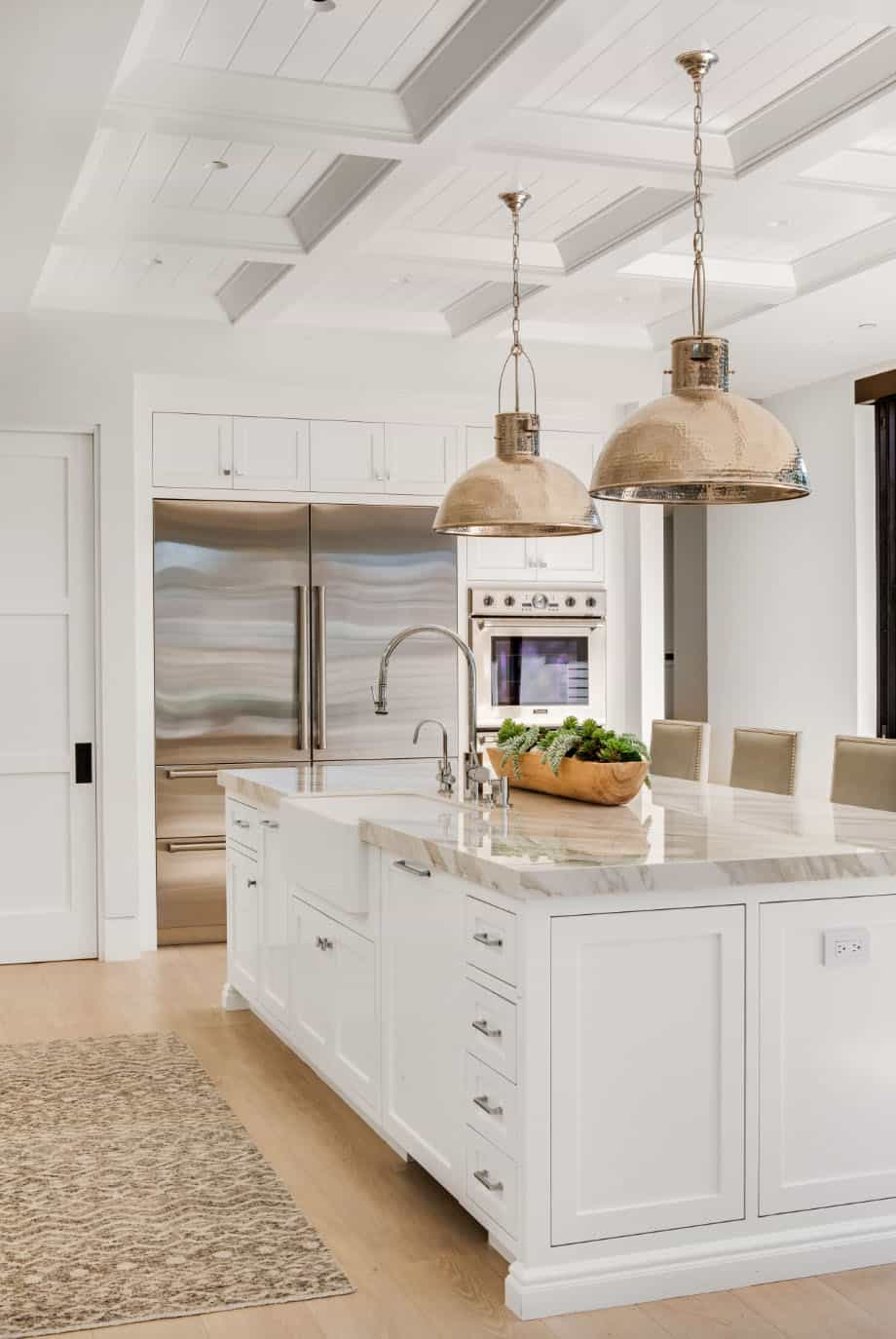 transitional-beach-style-kitchen