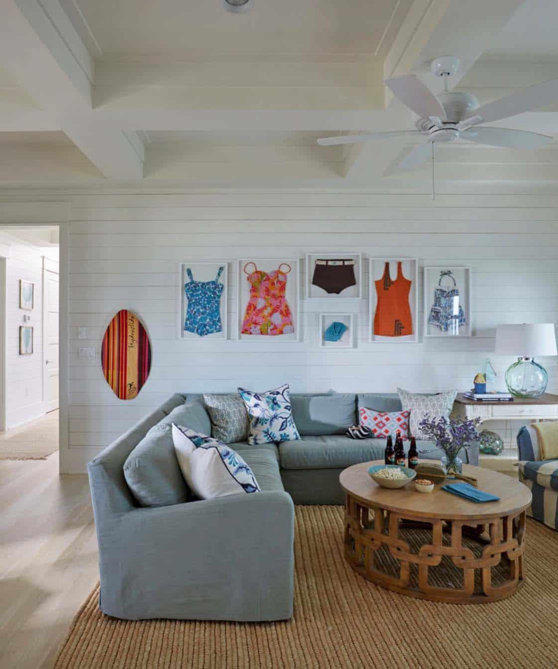 beach-beach-style-family-room