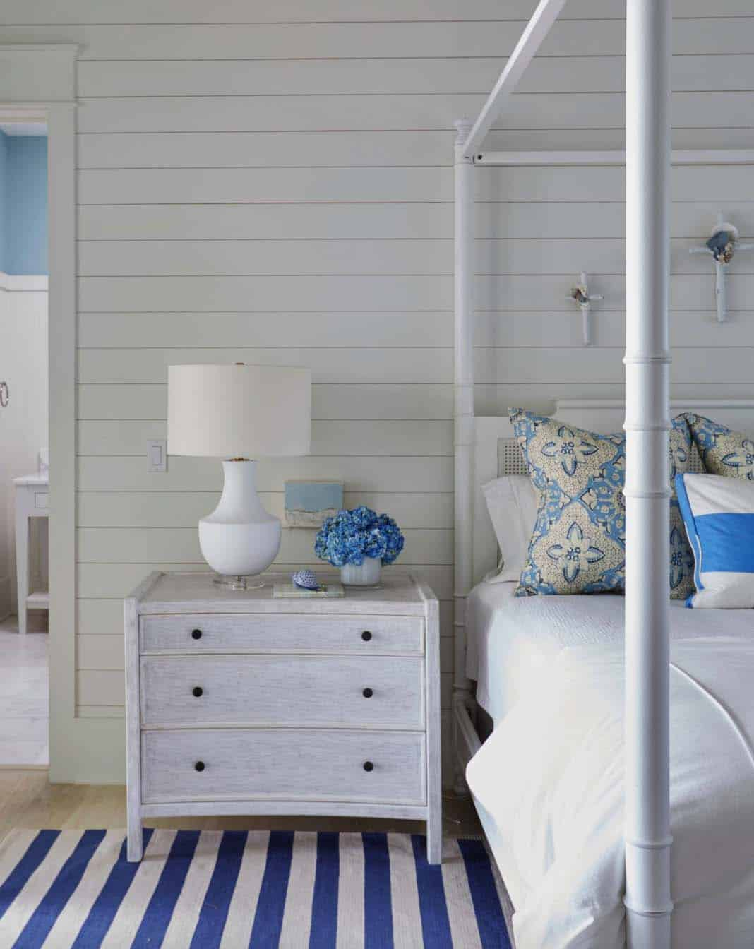 beach-beach-style-bedroom