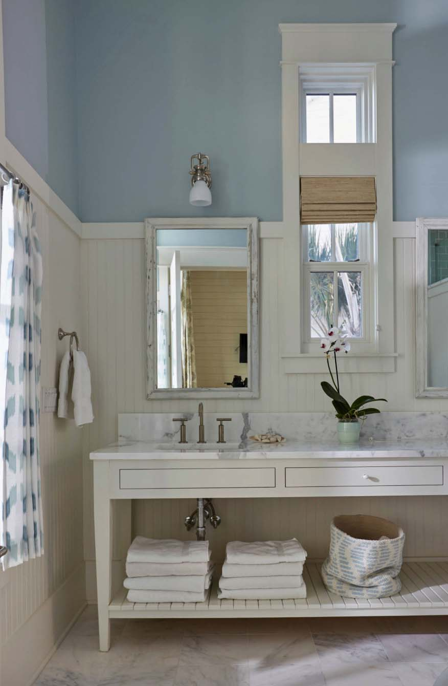 beach-beach-style-bathroom