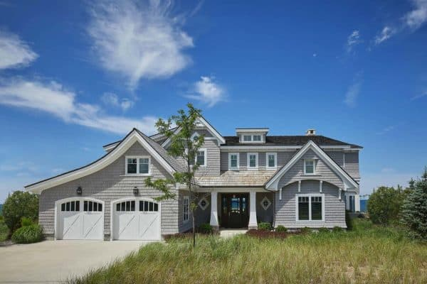 featured posts image for Inviting Nantucket-style beach house perched on shores of Lake Michigan