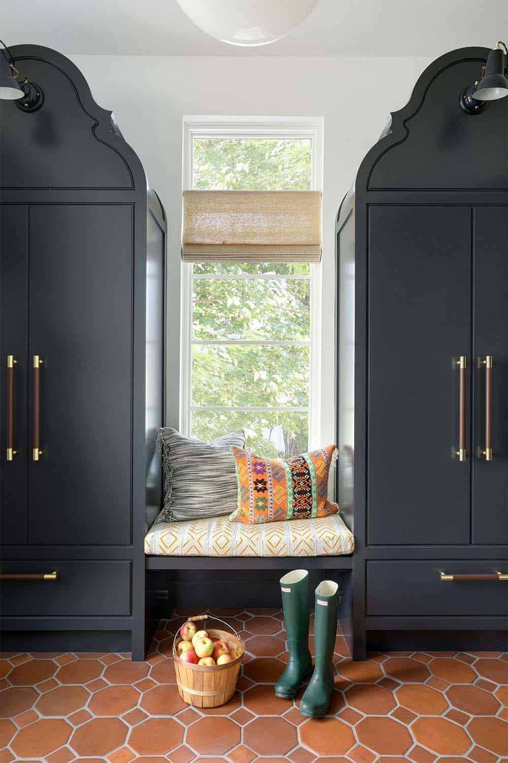 cape-dutch-modern-eclectic-entry