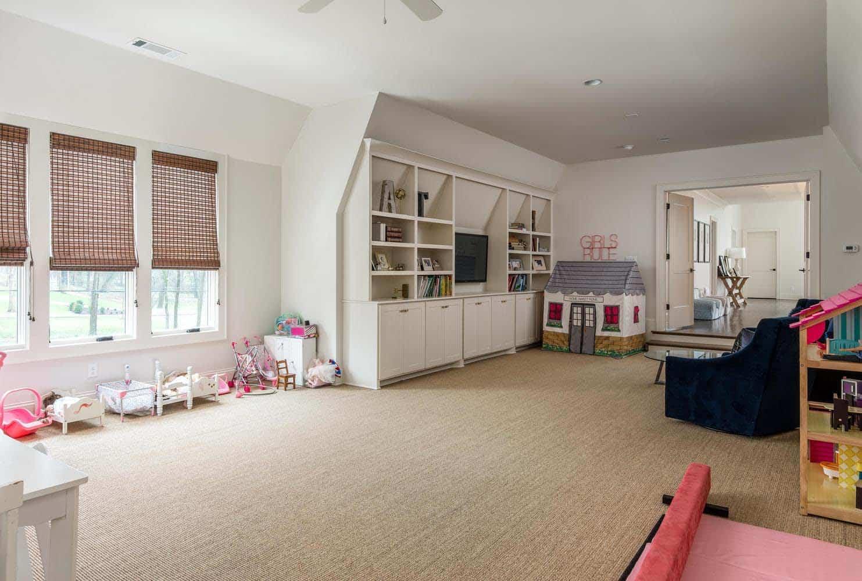 contemporary-home-kids-playroom