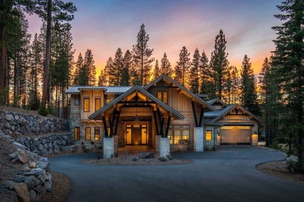 featured posts image for Tour this chic and stylish mountain home in historic Truckee, California