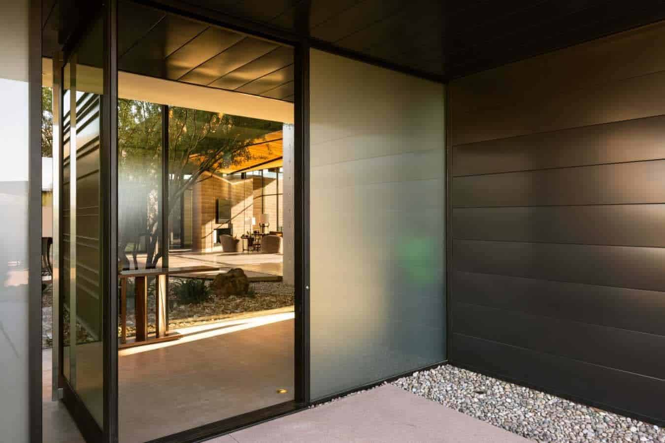 desert-modern-home-entry