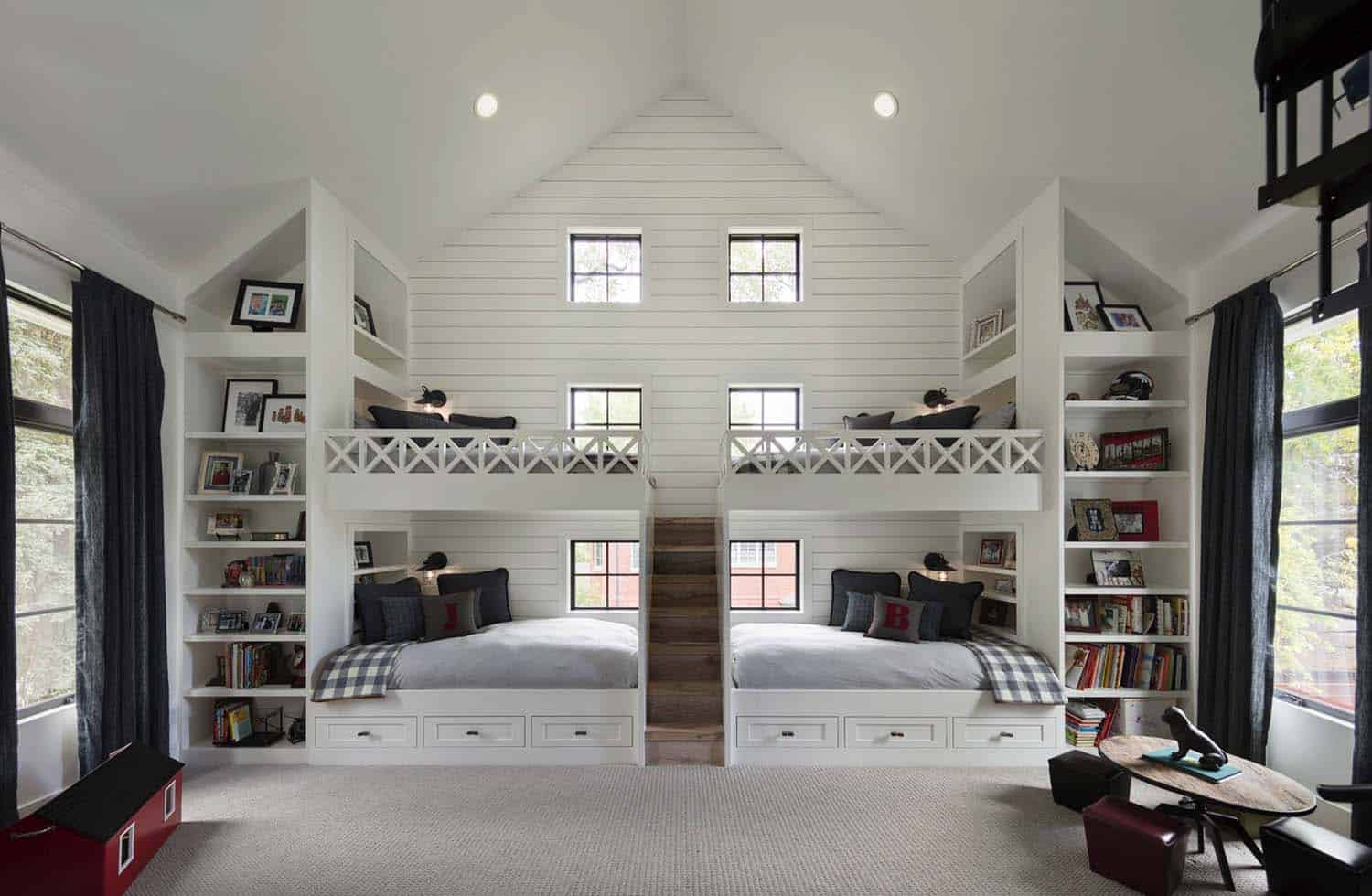 farmhouse-kids-bunk-bedroom