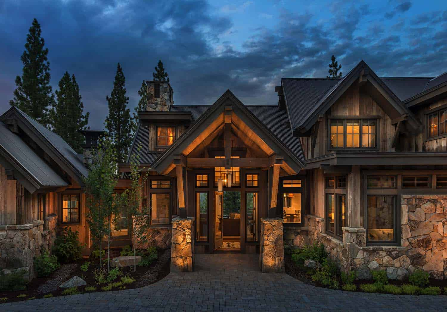 farmhouse-style-rustic-exterior