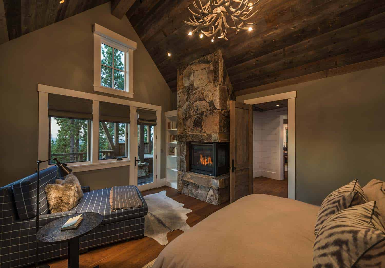 farmhouse-style-rustic-bedroom