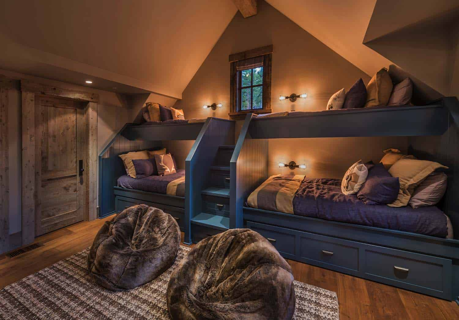 farmhouse-style-rustic-kids-bunk-bedroom