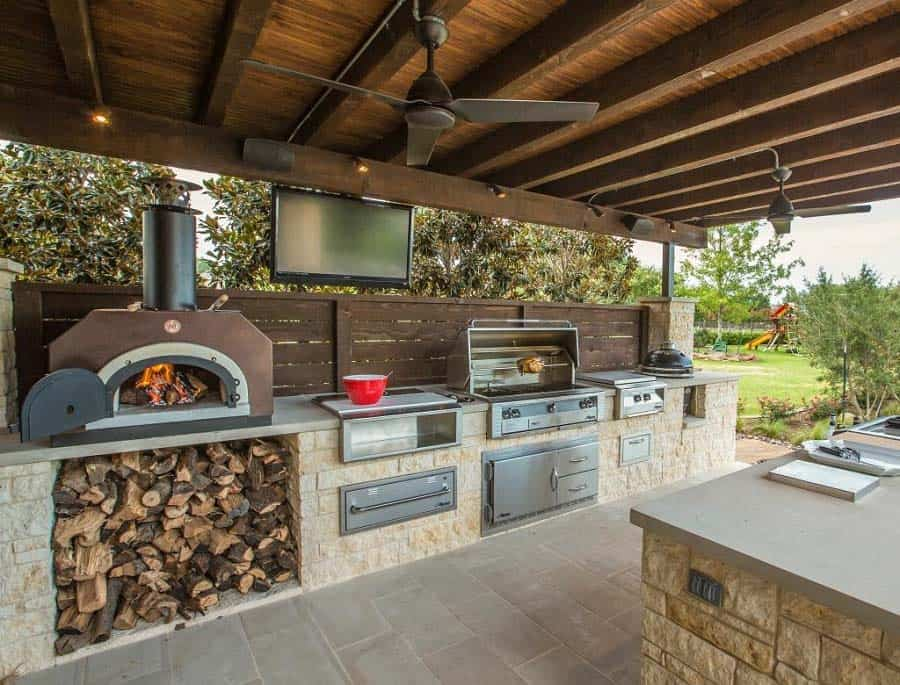 15+ Farmhouse Style Outdoor Kitchens That Will Blow Your Mind