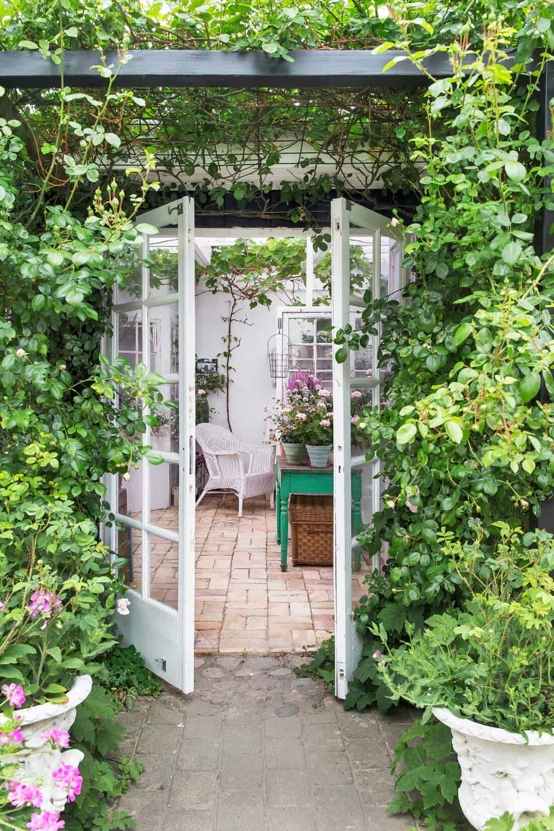 garden-entry-into-potting-shed