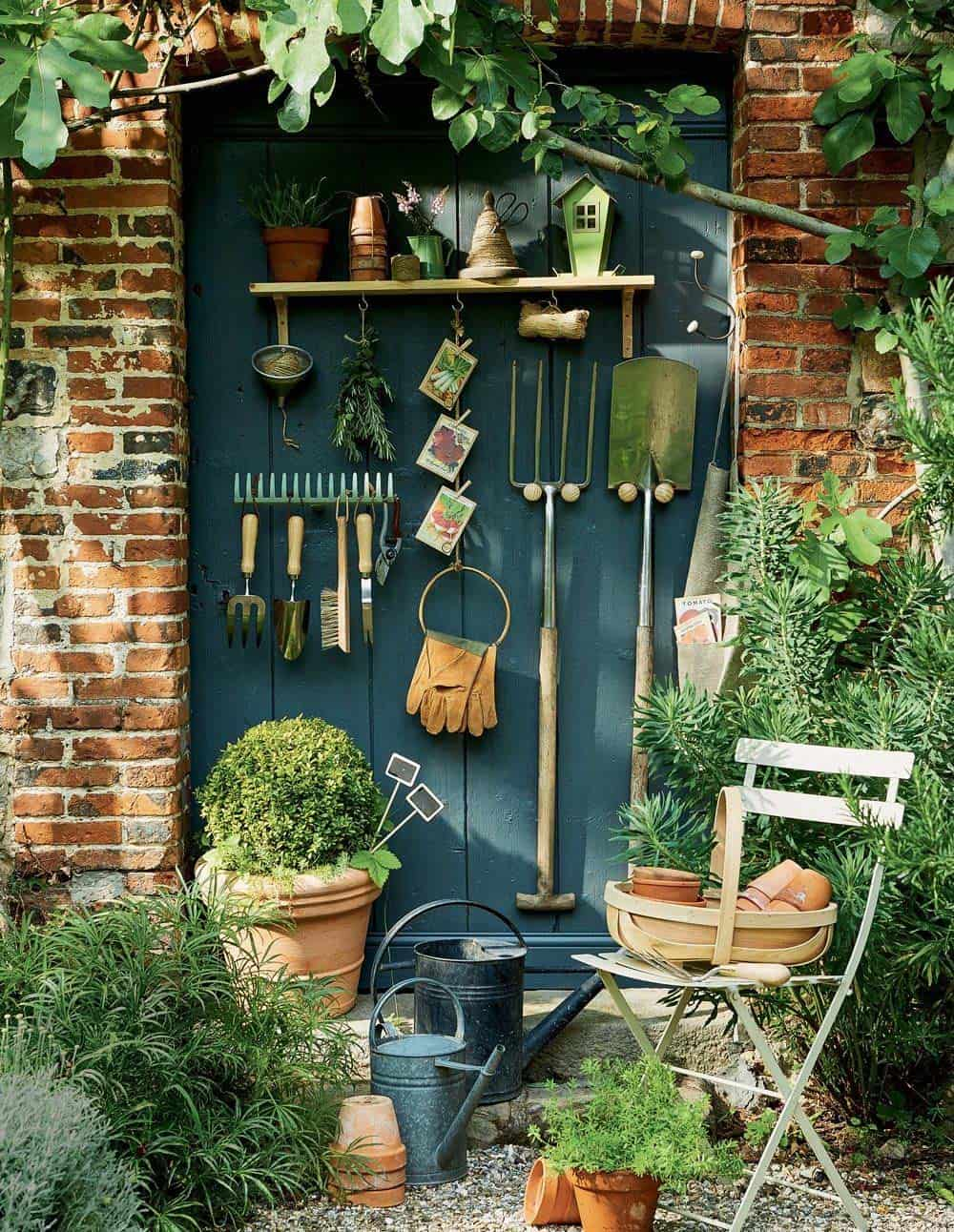 30+ Brilliant And Inspiring Storage Ideas For Your Potting Shed