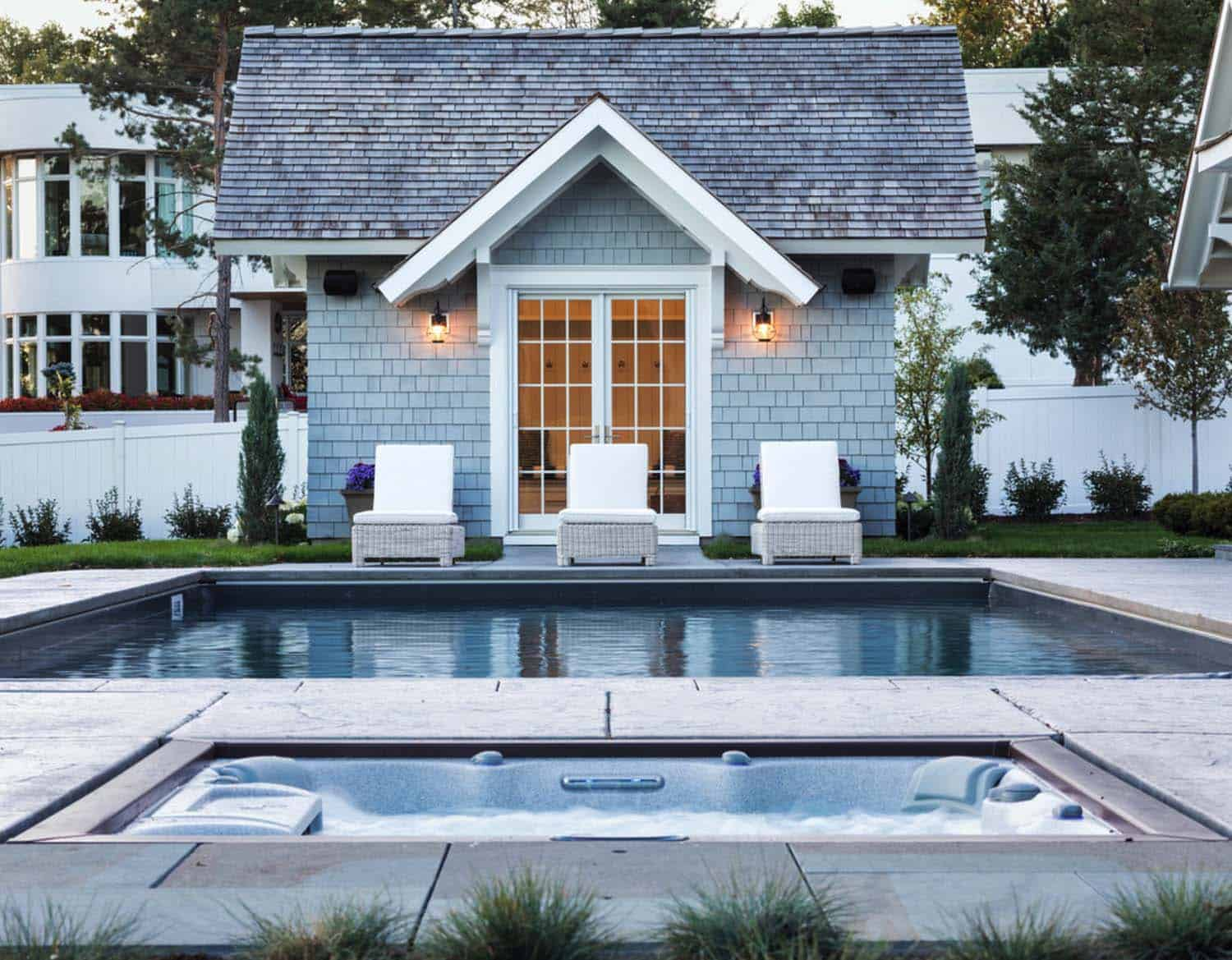 beach-house-traditional-pool