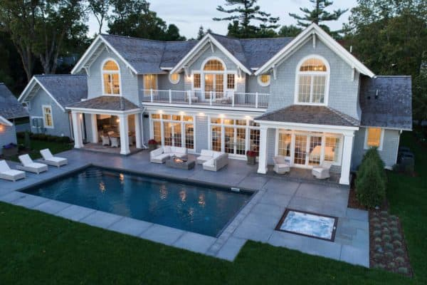 featured posts image for Spectacular shingle style beach house overlooking Lake Minnetonka