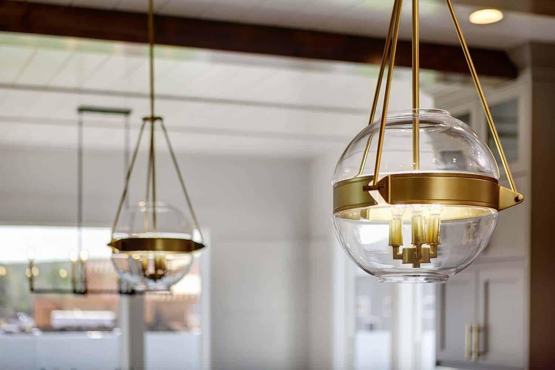 modern-farmhouse-kitchen-light-fixture-detail