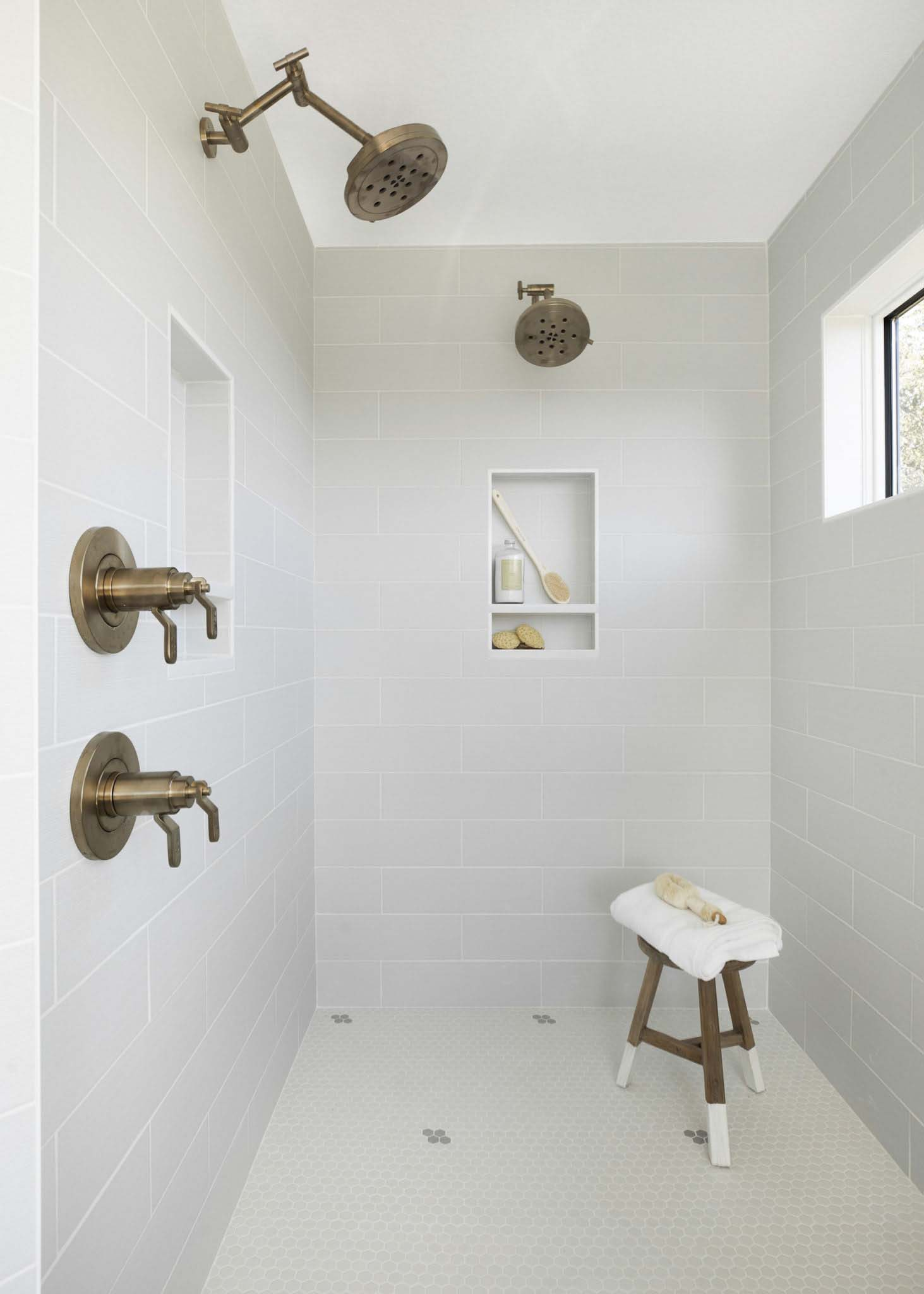 modern-farmhouse-bathroom-shower