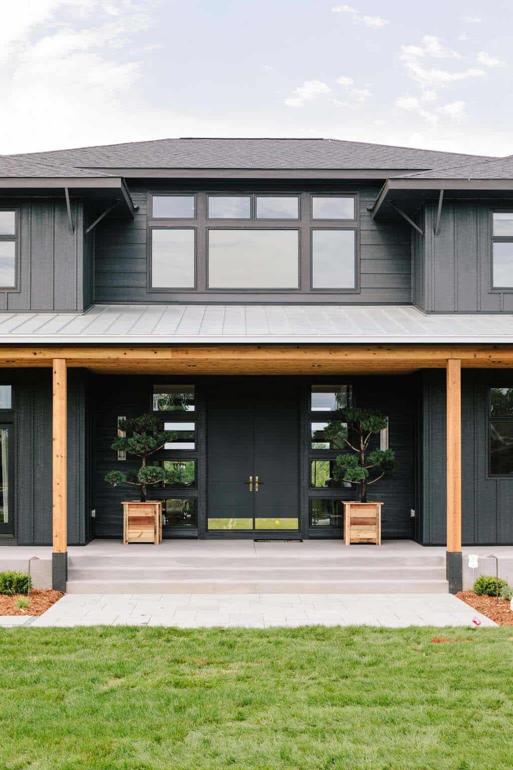 modern-mountain-inspired-home-entry