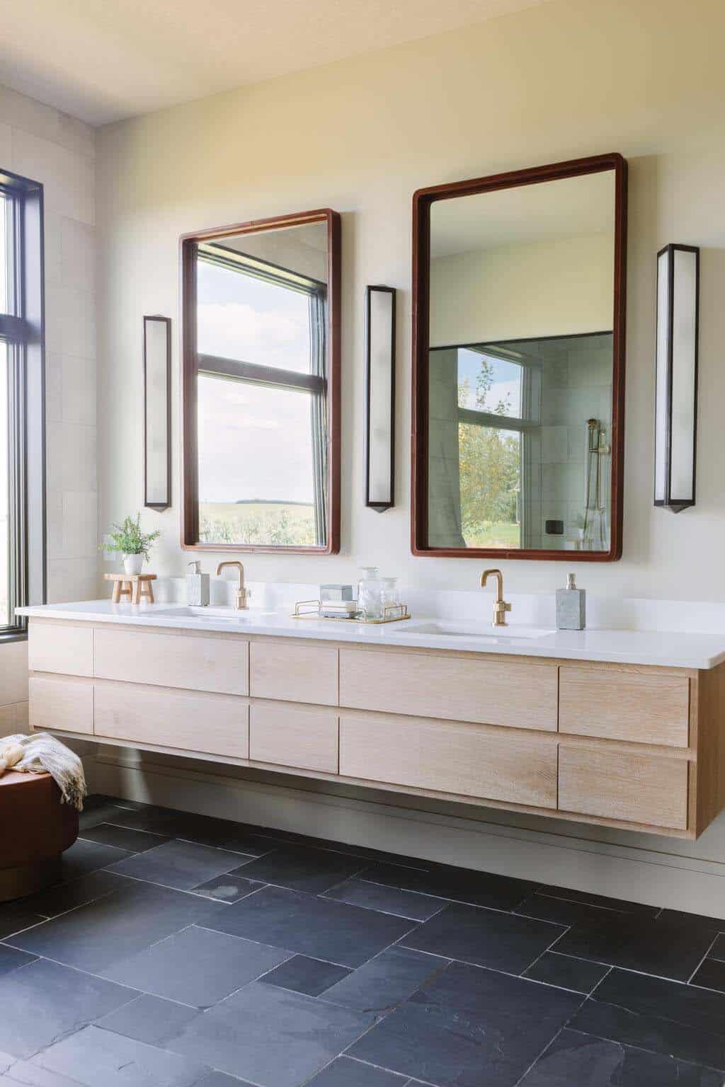 modern-master-bathroom