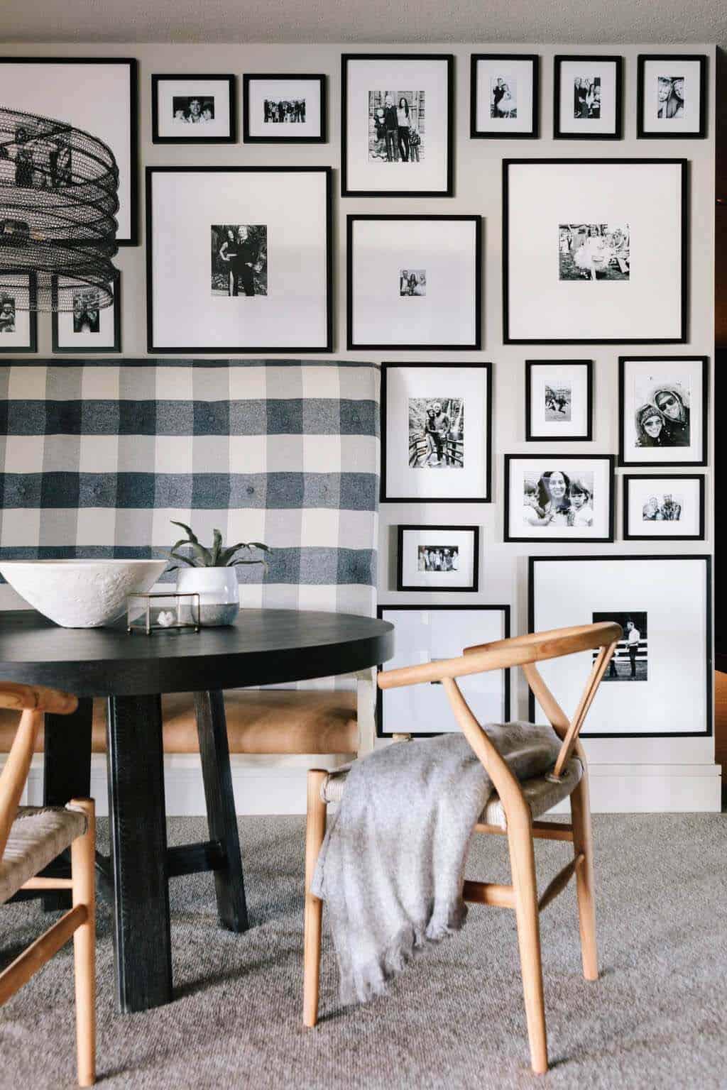 modern-built-in-dining-nook