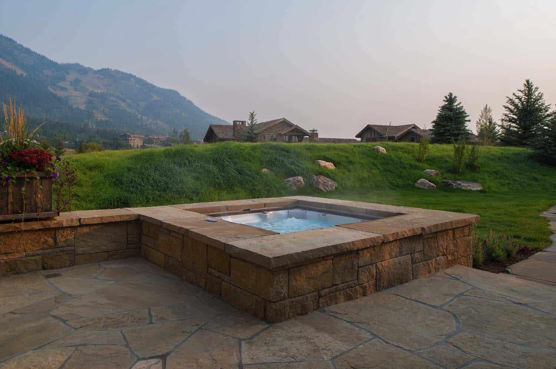 rustic-mountain-home-hot-tub