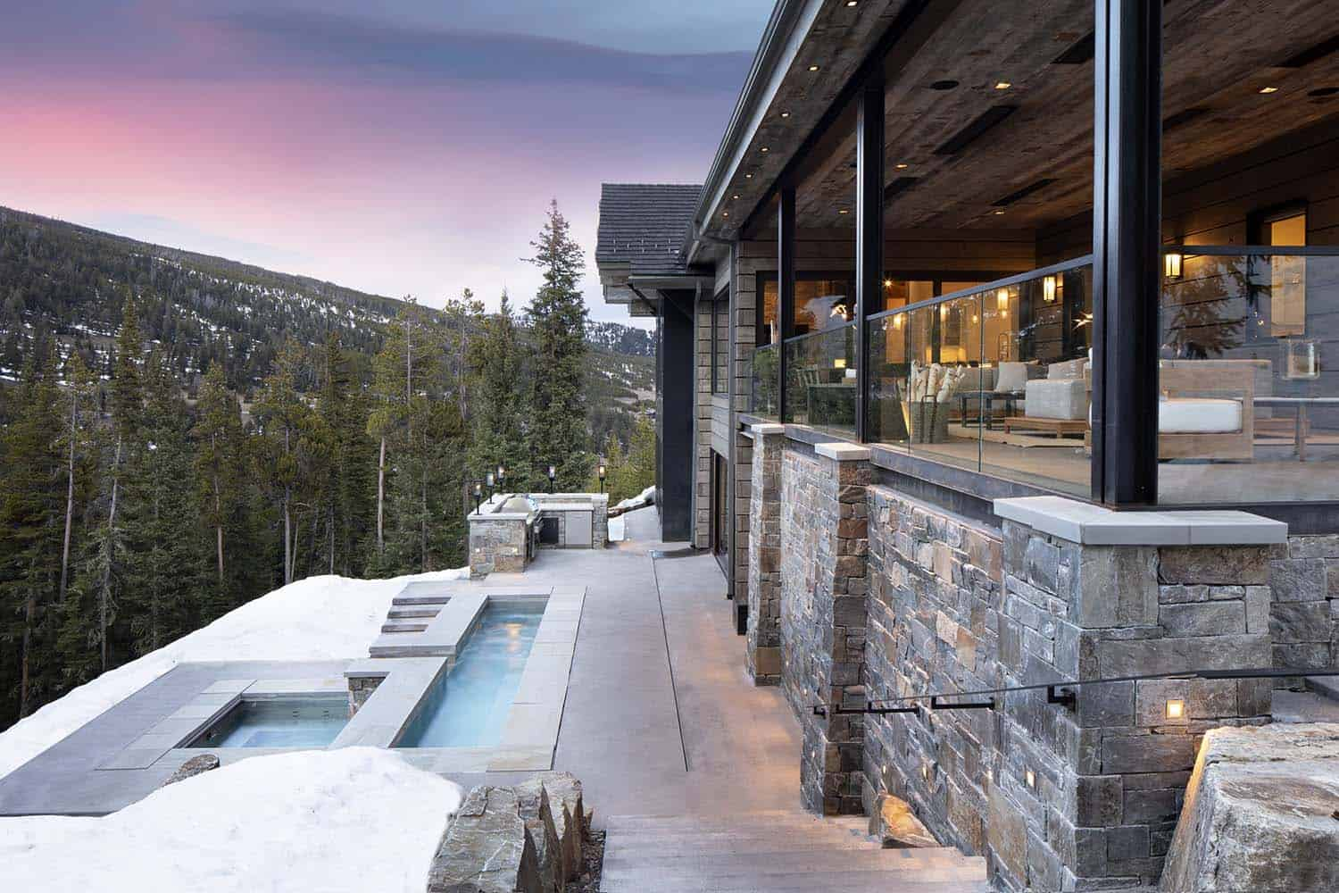 modern-rustic-mountain-home-patio-pool