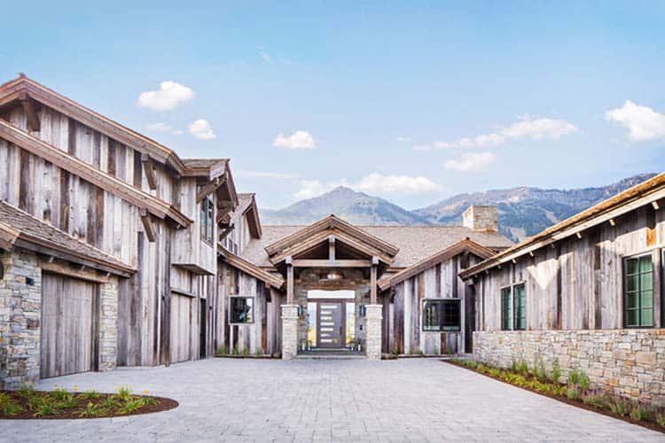mountain-modern-home-exterior