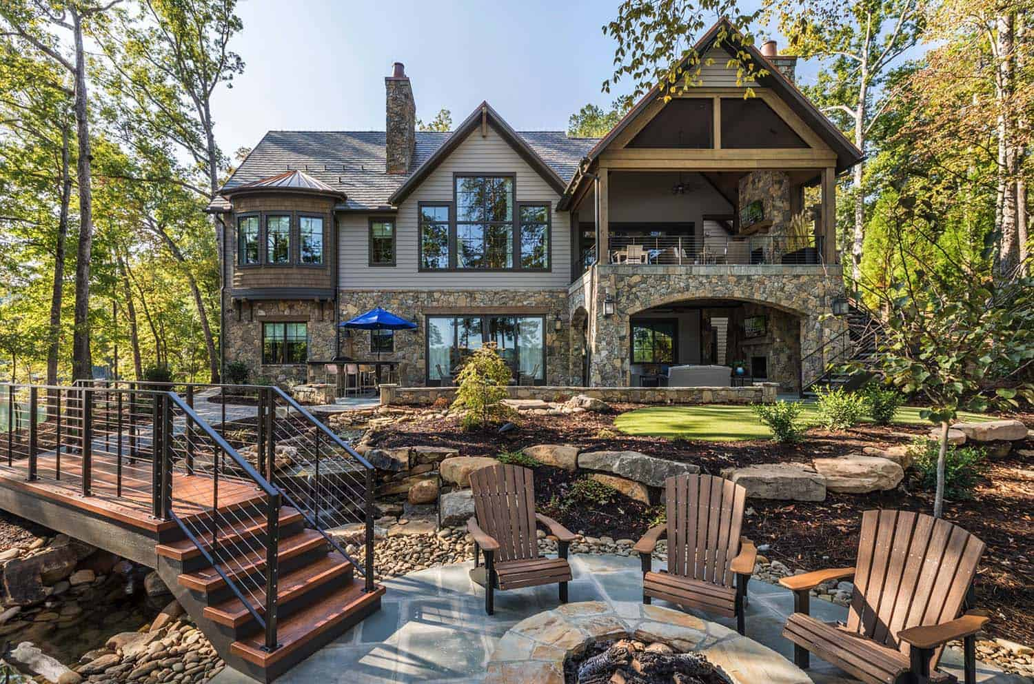 custom-home-rustic-exterior