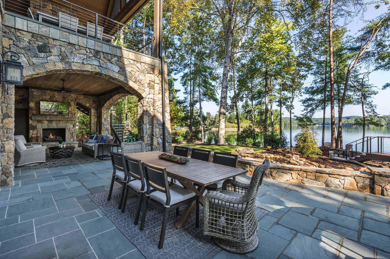custom-home-rustic-patio