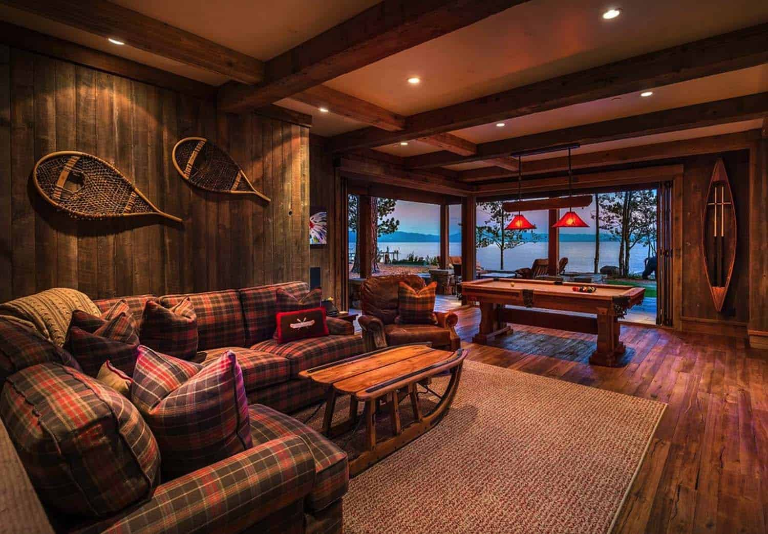 lake-house-rustic-family-room