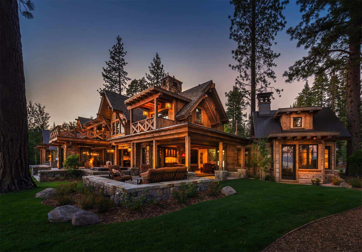 mountain-lake-house-rustic-exterior