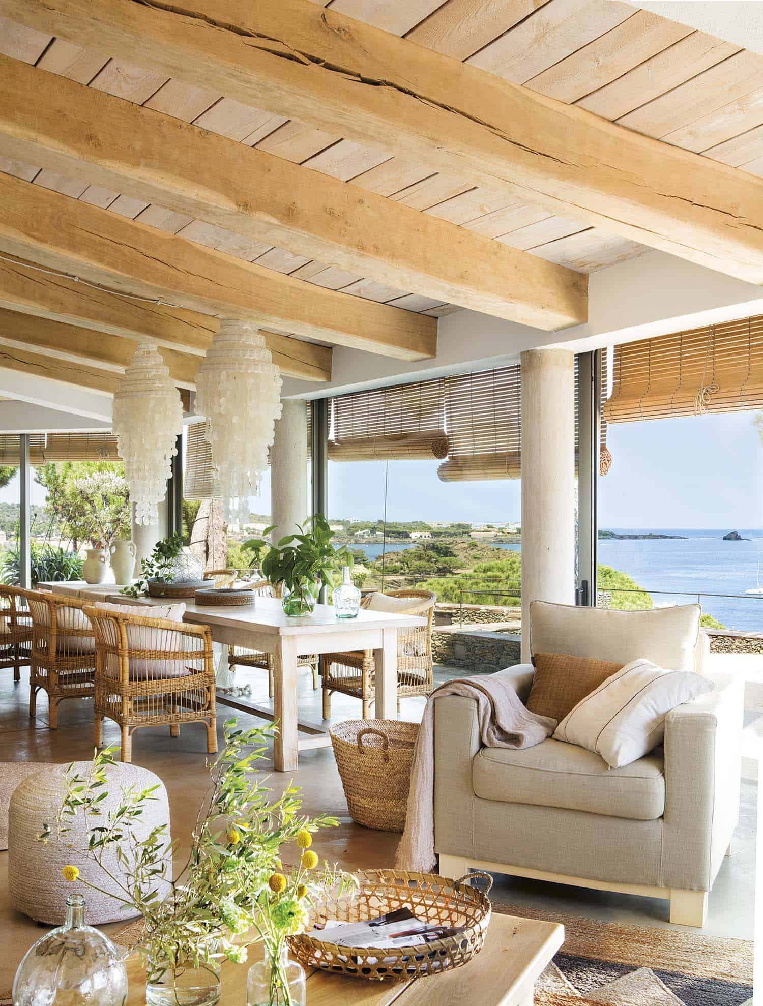 beach-house-dining-room