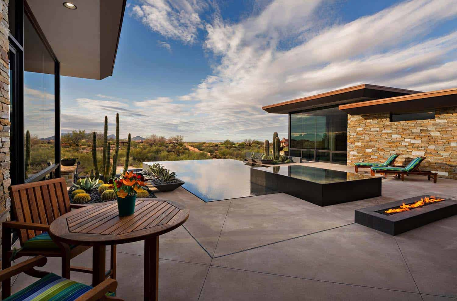 desert-home-southwestern-pool