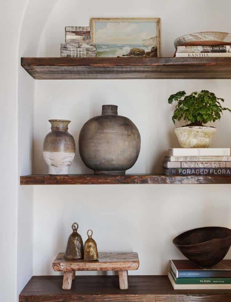 spanish-revival-living-room-shelf-detail