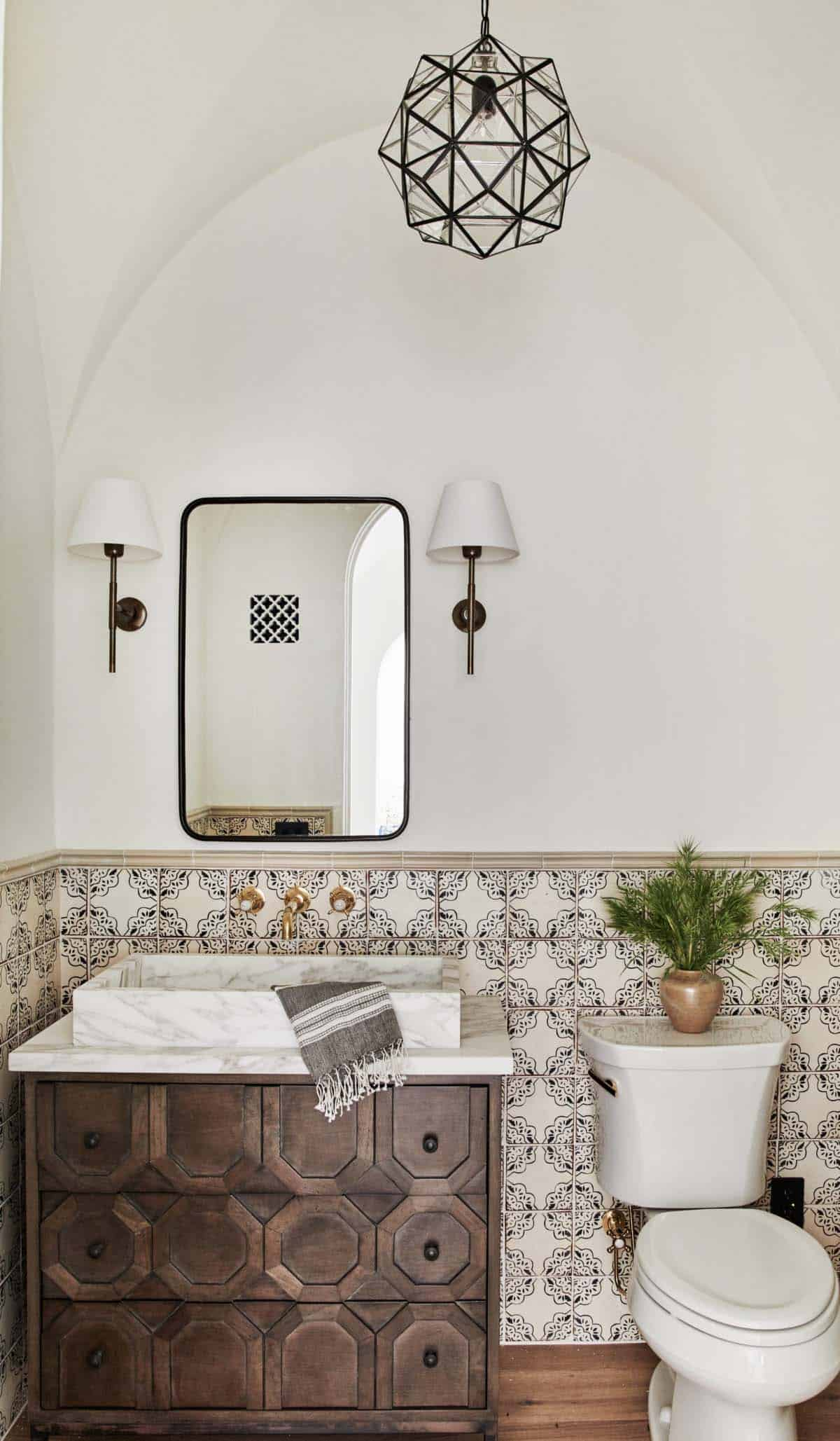 spanish-revival-bathroom
