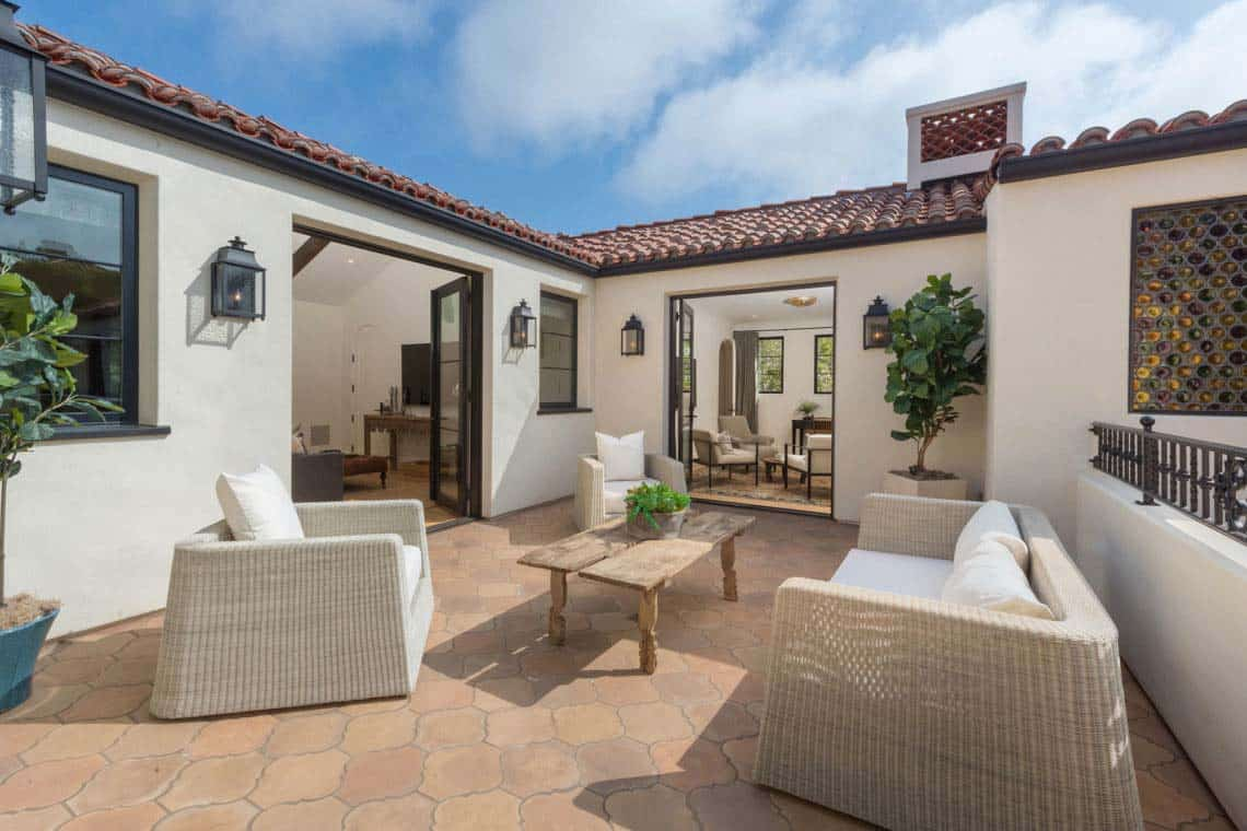 spanish-revival-home-patio