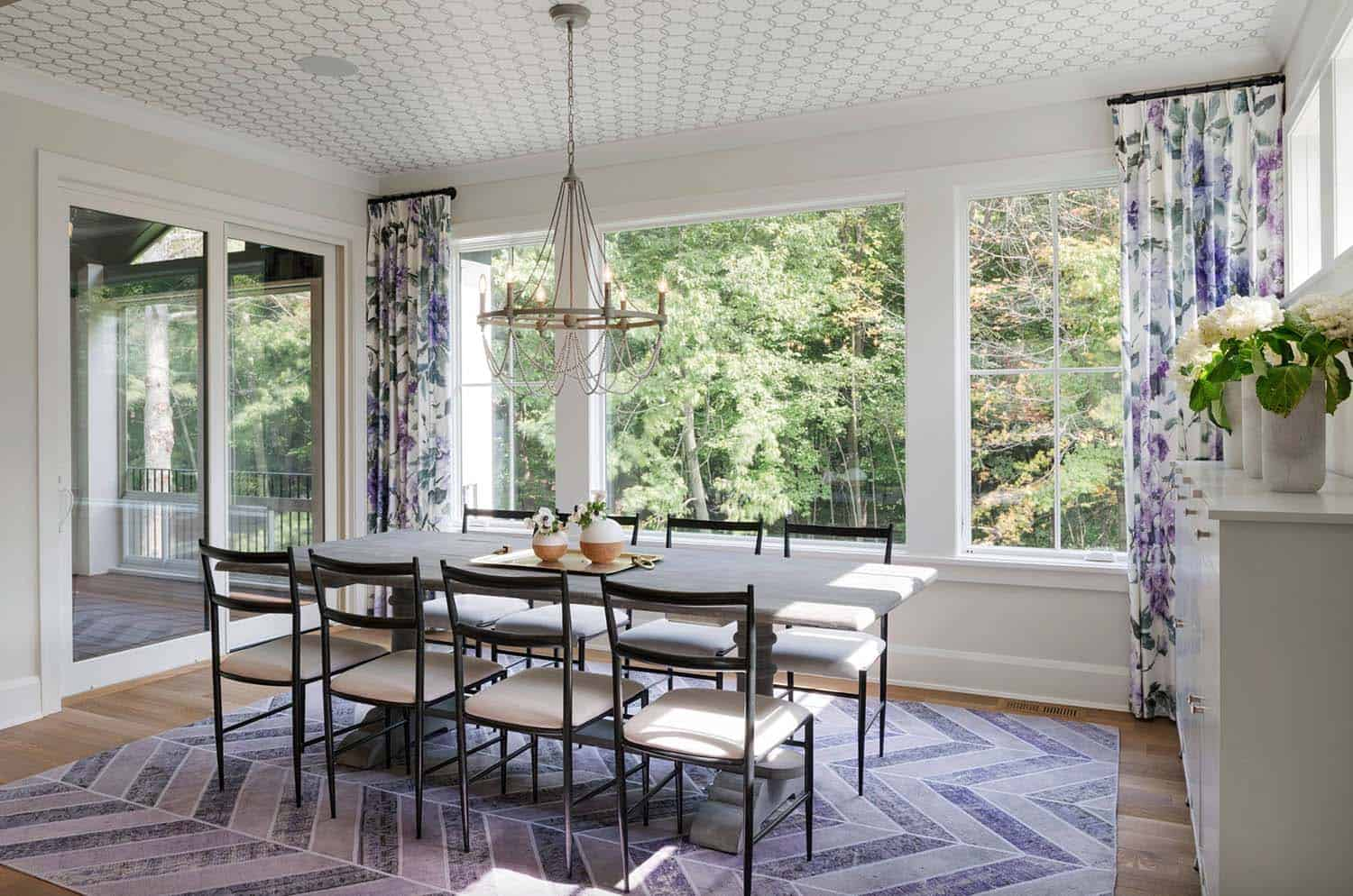 transitional-lake-house-dining-room
