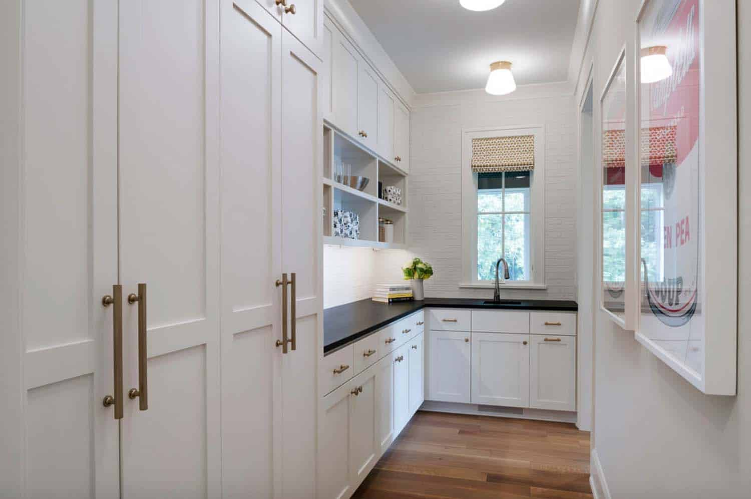 transitional-kitchen-butlers-pantry