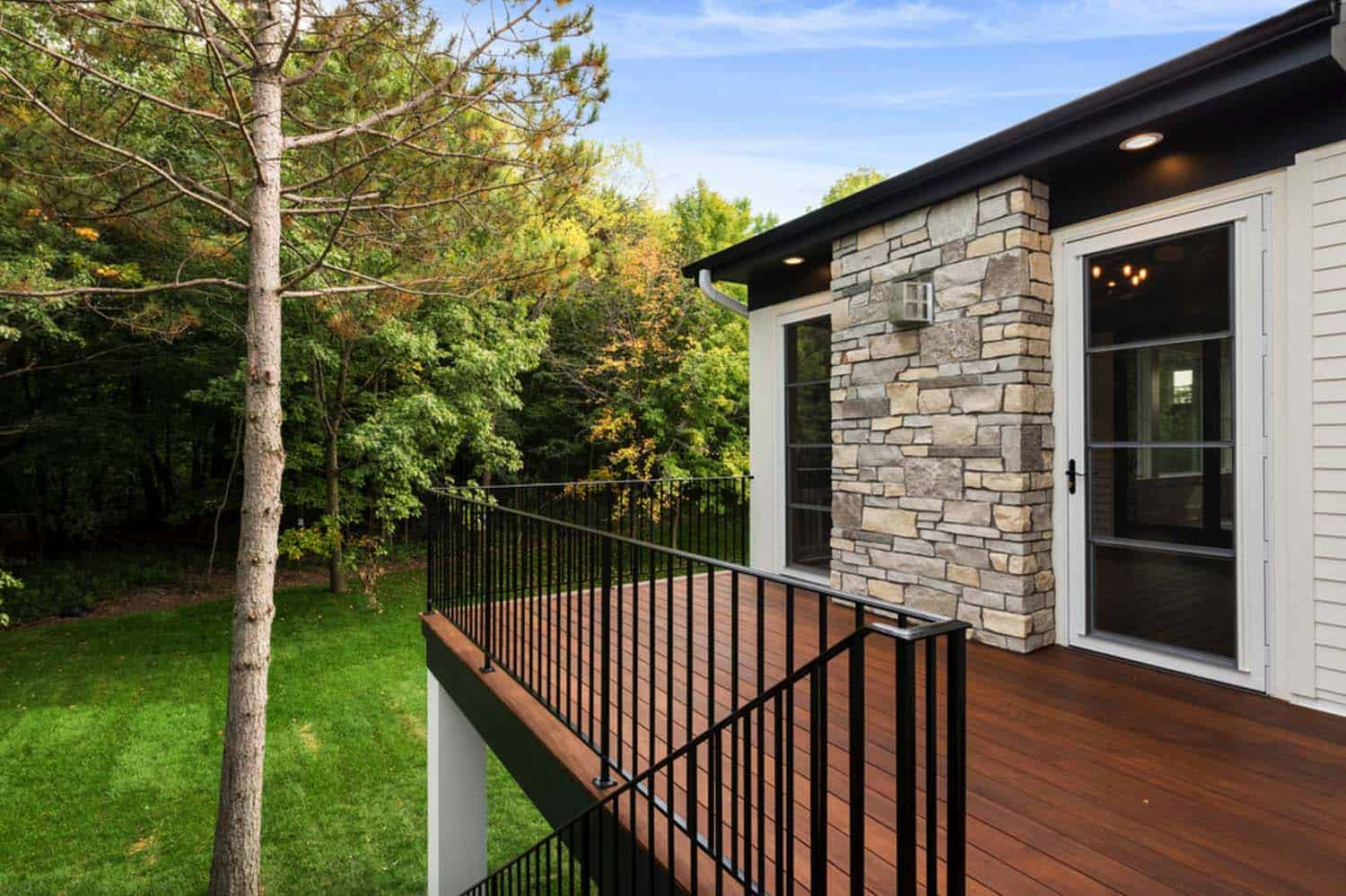 transitional-home-deck