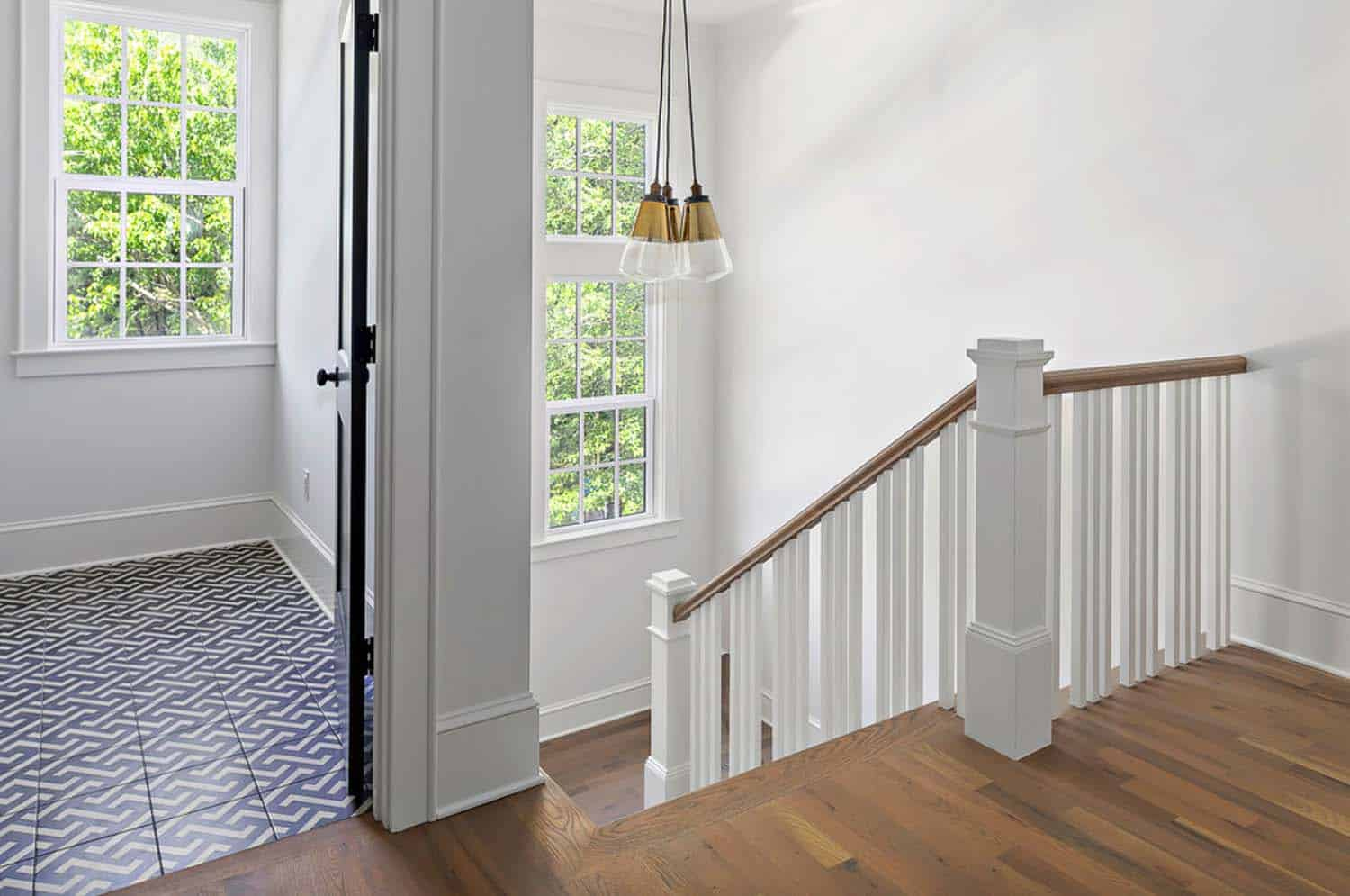 stairway-upper-landing-transitional-staircase