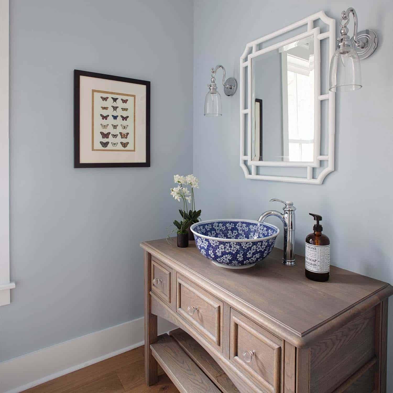 farmhouse-style-powder-bathroom