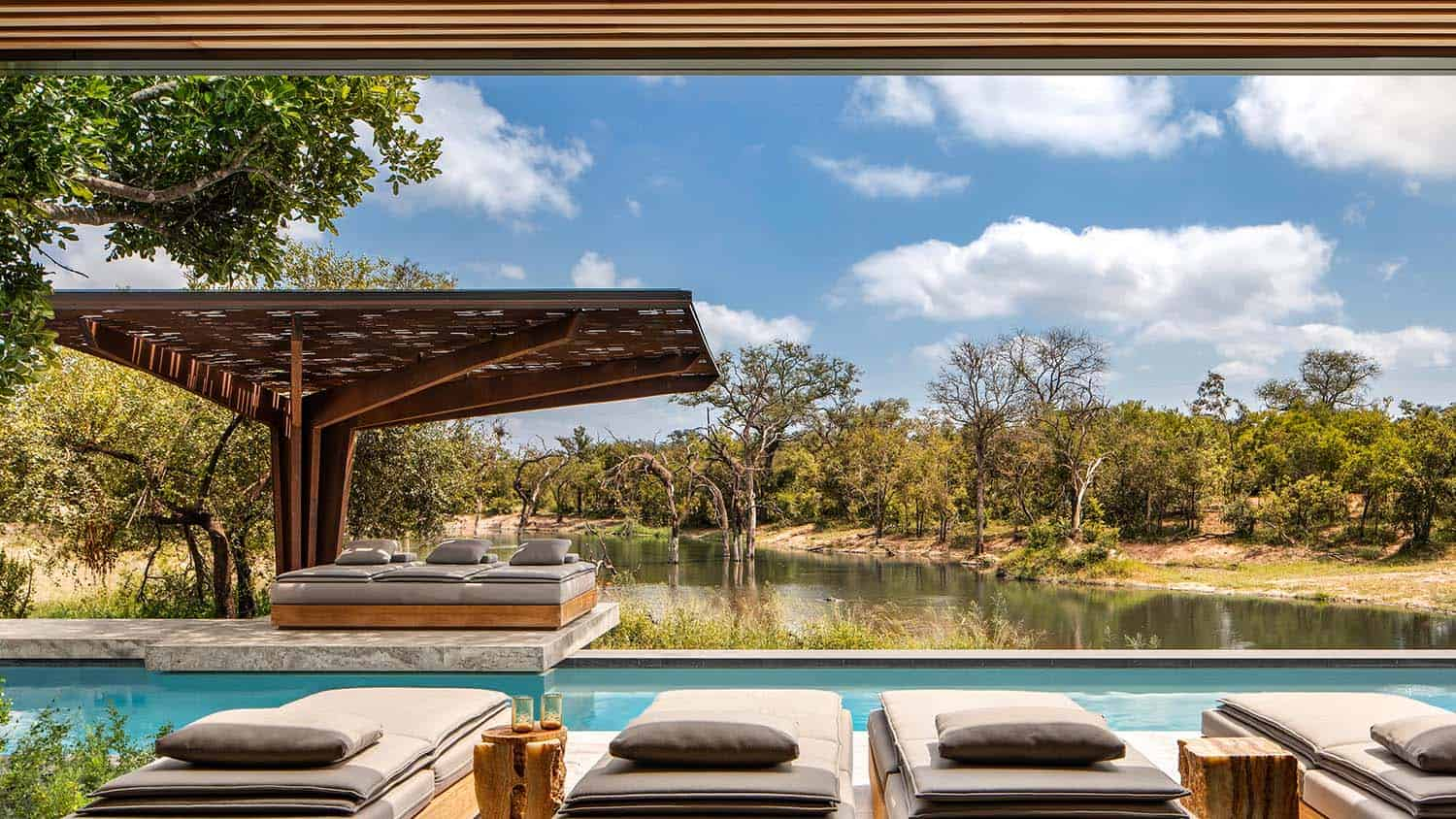 cheetah-plains-game-lodge-pool