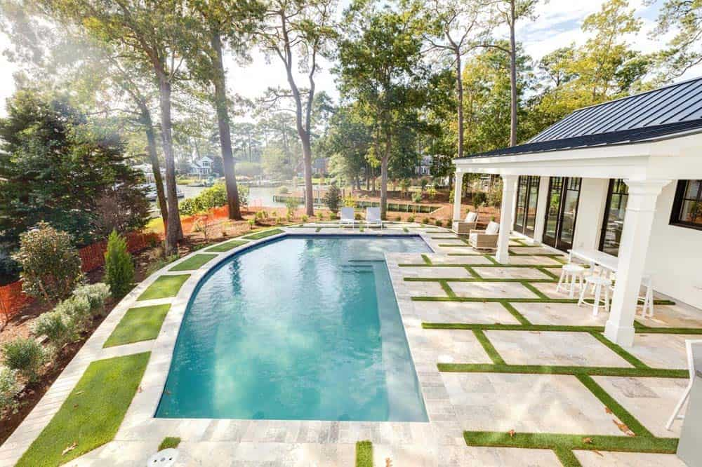 cottage-beach-style-pool