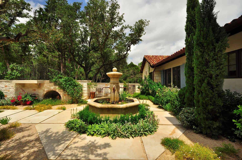 mediterranean-style-home-landscape
