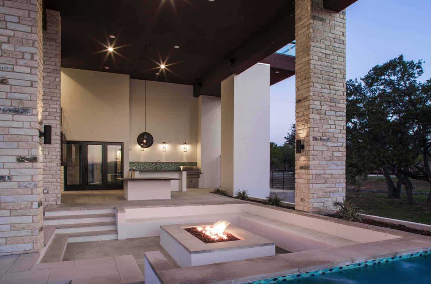 ship-inspired-home-contemporary-patio