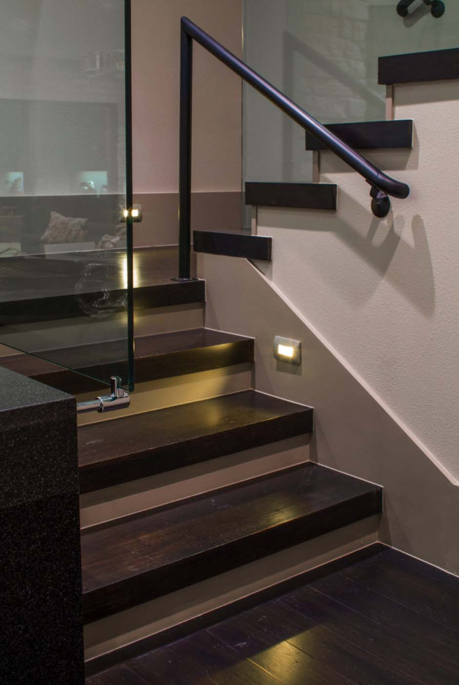 stairs-with-glass-contemporary-staircase