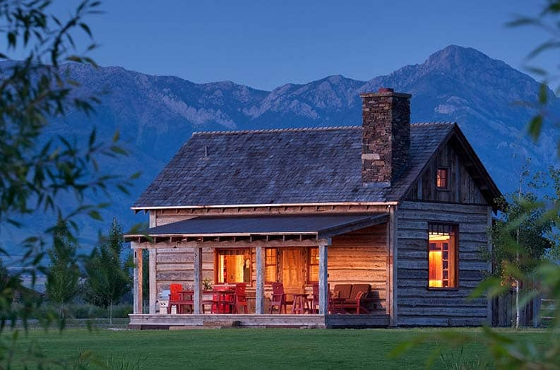 family-cabin-retreat-rustic-exterior