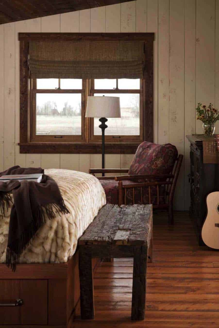 family-cabin-retreat-rustic-bedroom
