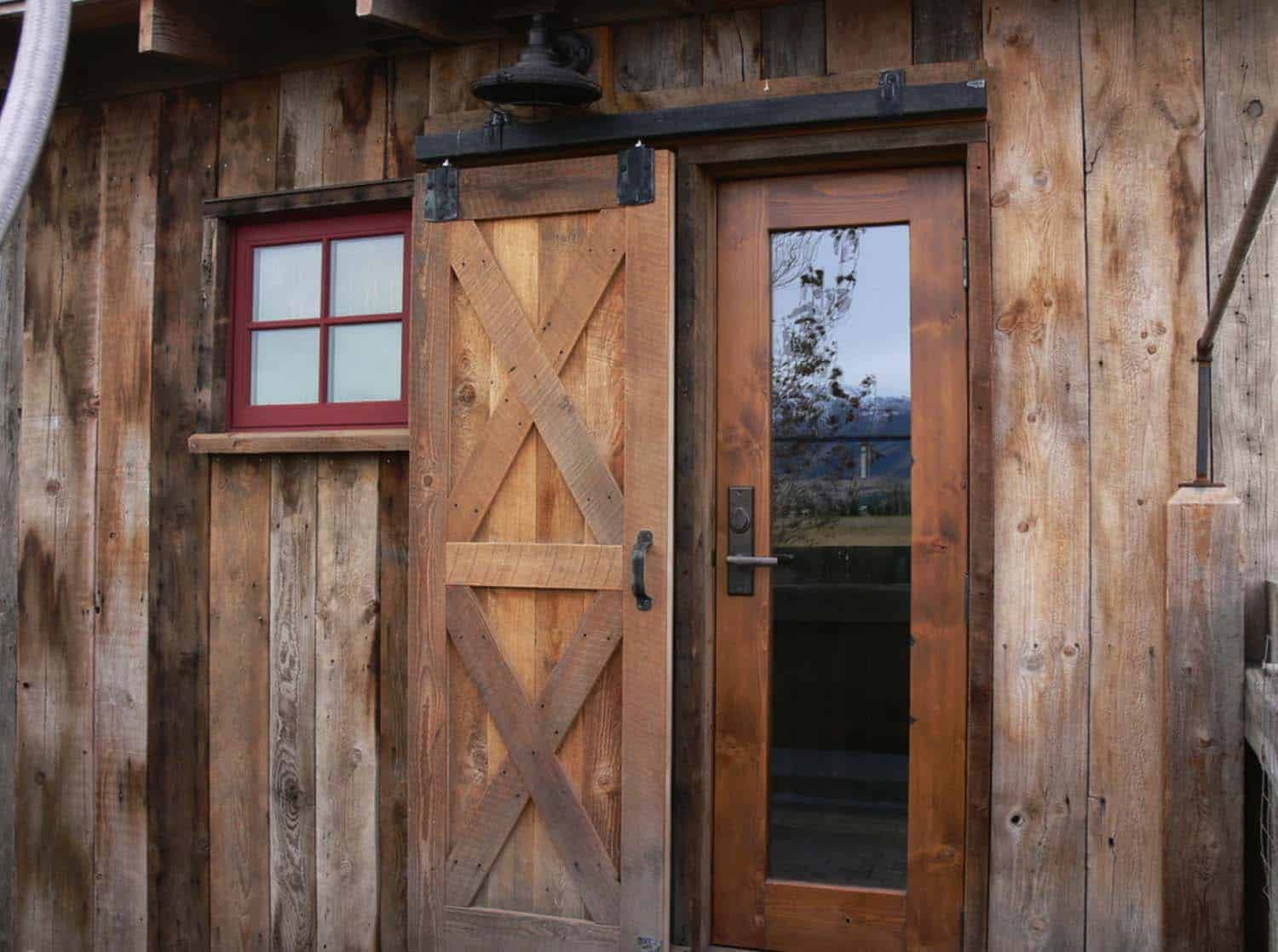 family-cabin-retreat-rustic-entry