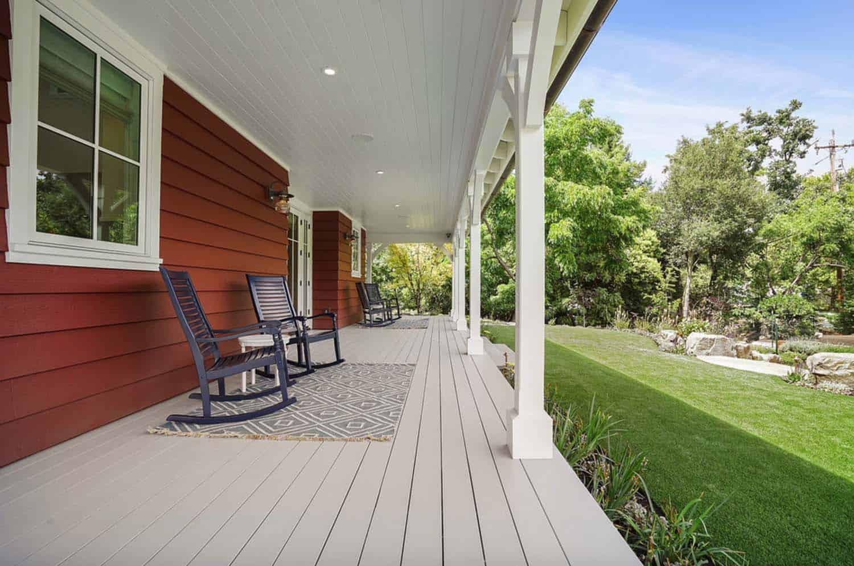 farmhouse-barn-red-exterior-porch