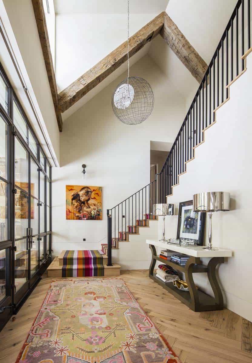 farmhouse-style-foyer